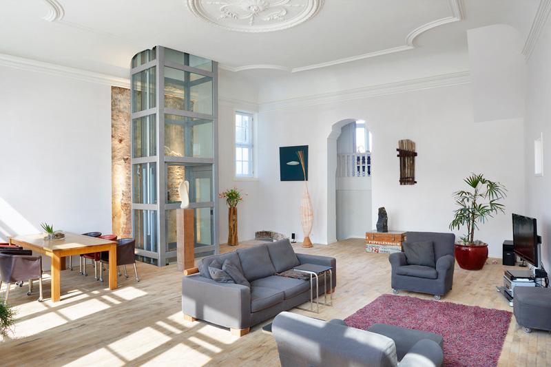 Thyssenkrupp encasa amliore le confort et la facilit for Piani di casa con ascensori