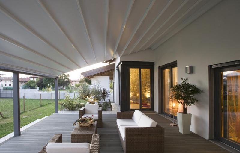 De luxe van een extra buiten ruimte dankzij een patio harol