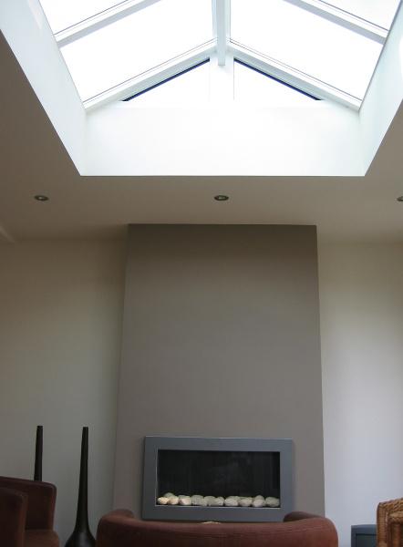 Un verre cristallin pour quiper la plus grande fentre de for Tringle pour fenetre de toit