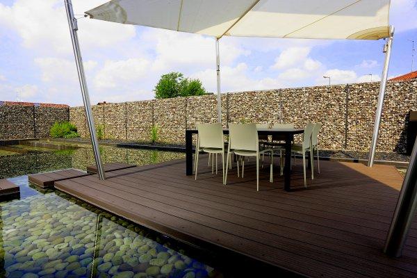 nieuwe afsluitingen zorgen voor meer privacy in de tuin en. Black Bedroom Furniture Sets. Home Design Ideas
