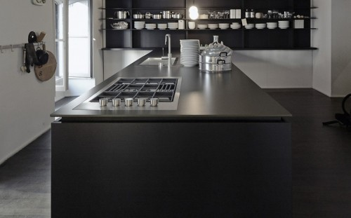 zwarte keuken als blikvanger cosentino belgium. Black Bedroom Furniture Sets. Home Design Ideas