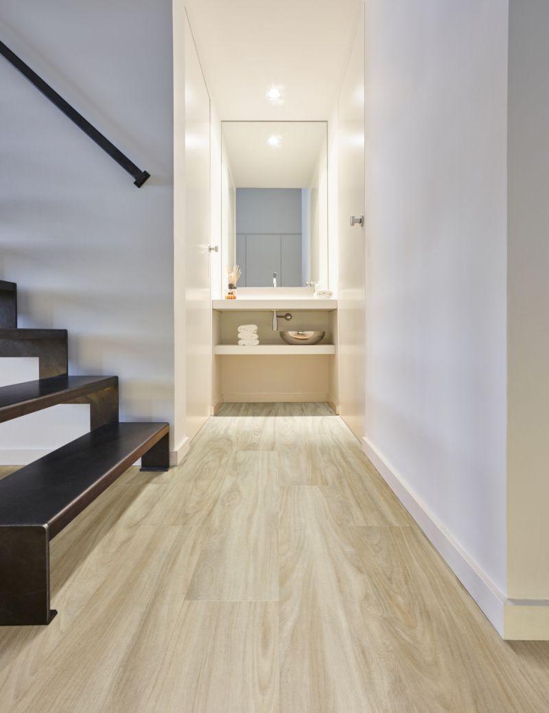 Vloer dat najaarsgevoel en geef je keuken of badkamer een warme look met luxevinyl van moduleo - Waterafstotend badkamer ...