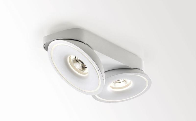 Tweeter Van Delta Light Een Knappe Kop In Het Plafond